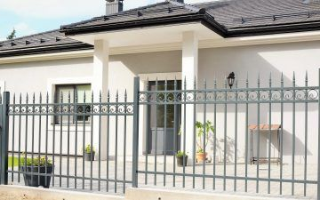 Dekoruota metalinė tvora